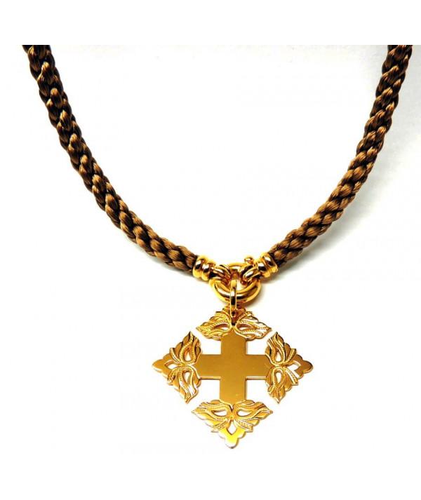 Croix de Megève ciselée, coron vendu en accessoire